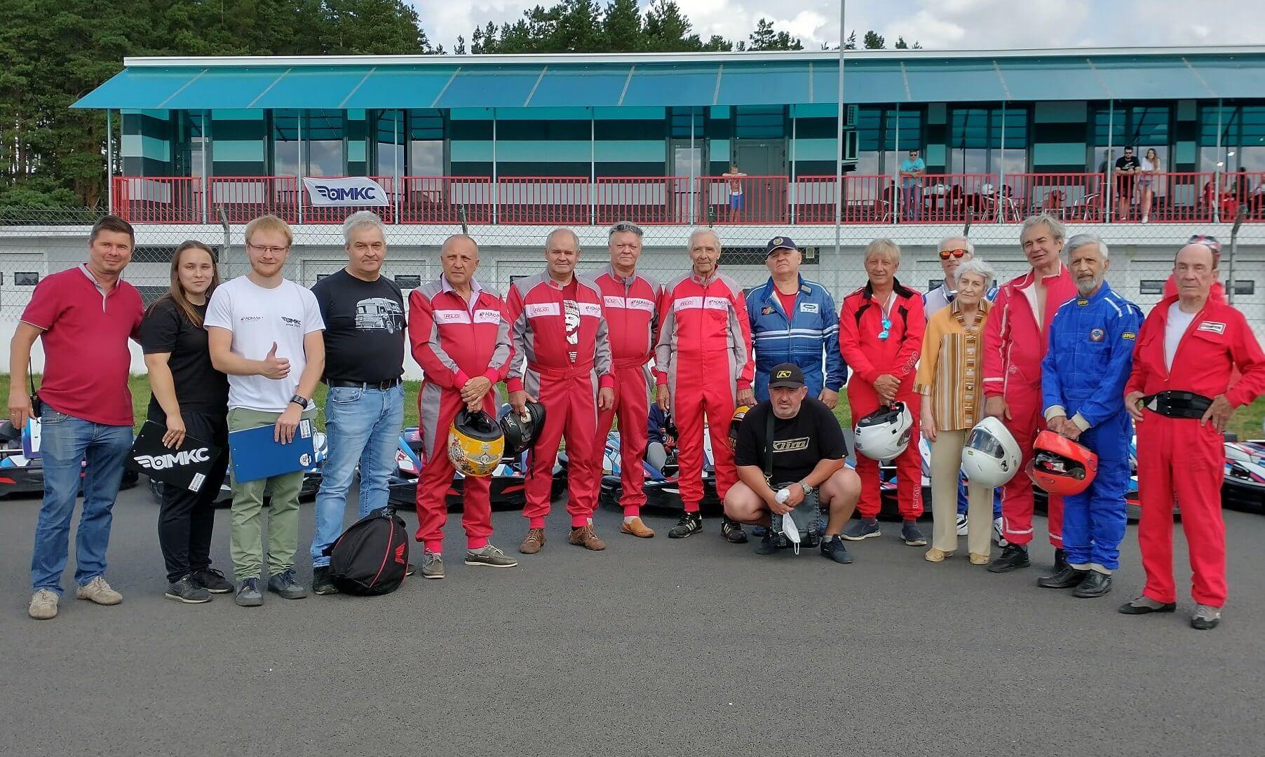 На ADM Raceway прошёл юбилейный этап AMKC с участием легенд автоспорта
